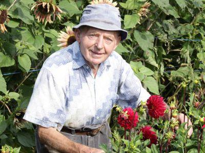 Bruder Ansel im Garten.