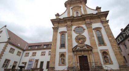 Fassade der Klosterkirche in Paderborn.