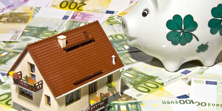 Geld und Eigentum: Bild von Thorben Wengert / pixelio.de