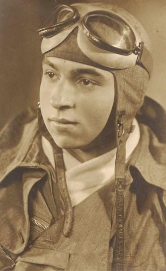 """Pilot Erwin Mietho kam bei dem Absturz seiner """"FW 190 A-6"""" im Klosterhof ums Leben"""