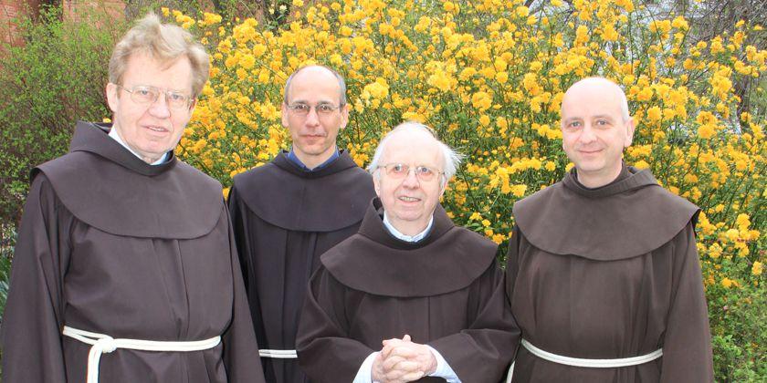 Die Hausgemeinschaft : (Von links nach rechts) Br. Josef Schulte, Br. Damian Bieger, Br. Norbert Just, Br. Maximilian Wagner.