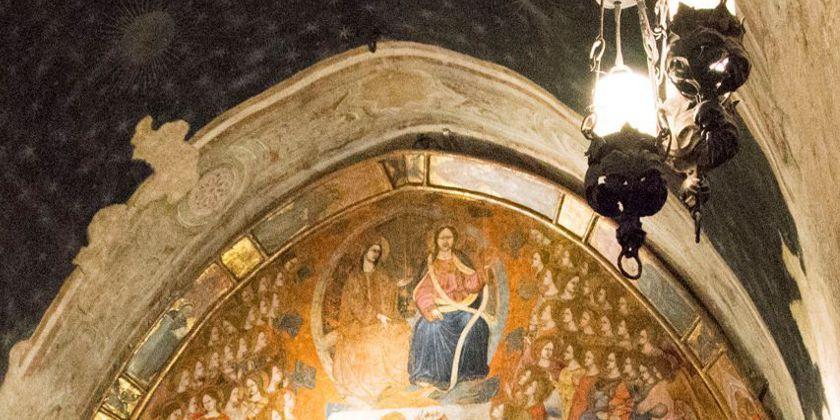 Detail eines Freskos mit der Darstellung Christi und Marias im Gewölbe der Portiunkula-Kapelle. Foto von Kerstin Meinhardt.
