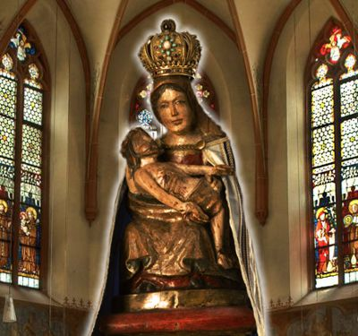 Gnadenbild der Schmerzhaften Muttergottes. Eine Holzskulptur aus dem 13. Jahrhundert.