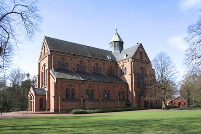 Ansicht der neuromanischen Kirche St. Bonaventura in Mühlen. (C) Homepage der Pfarrei St. Bonaventura