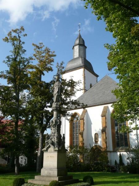 Ansicht der barocken Marienkirche mit der Mariensäule. Copyright: Silke Brinkemper, Rheda-Wiedenbrück