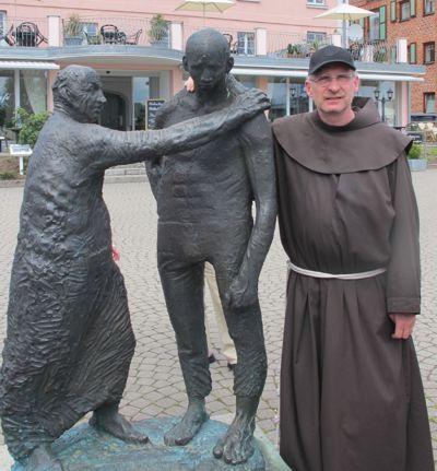 Der verlorene Sohn. Bruder Gabriel liebt dieses Standbild am Yachthafen von Waren (Müritz)