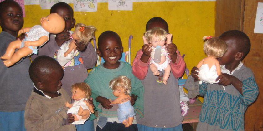 Hilfe für AIDS-Weisenkinder in Afrika. Eines von vielen Projekten, die die Missionszentrale fördert und und unterstützt. Bildquelle: Missionszentrale der Franziskaner. Bildquelle: Missionszentrale der Franziskaner.
