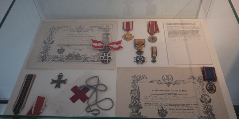 Archivalien, die anlässlich der Zusammenlegung der vier Archive im Kloster in Paderborn ausgestellt wurden.