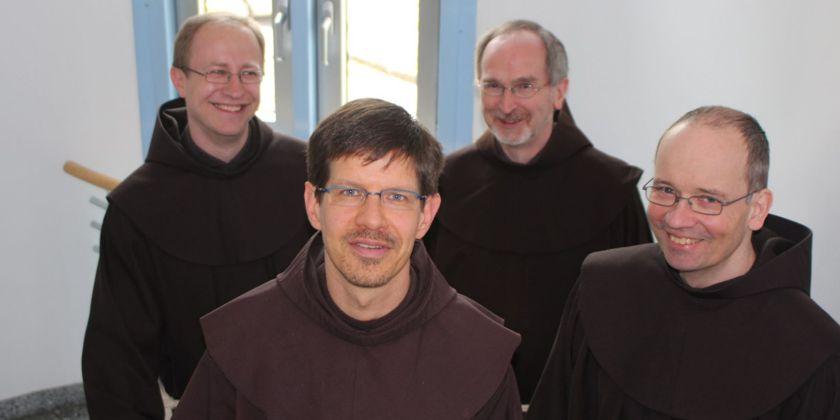 Die Brüder der Gemeinschaft: Bruder Bernd Leopold, Bruder Nikolaus Voss, Bruder Heinz Schnittker und Bruder Igor Hollmann.