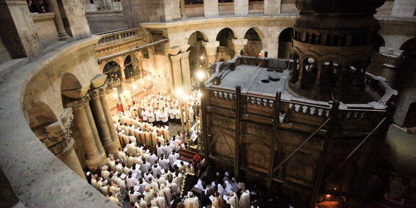Prozession am Heiligen Grab. Archivbild, Kustodie des Heiligen Landes