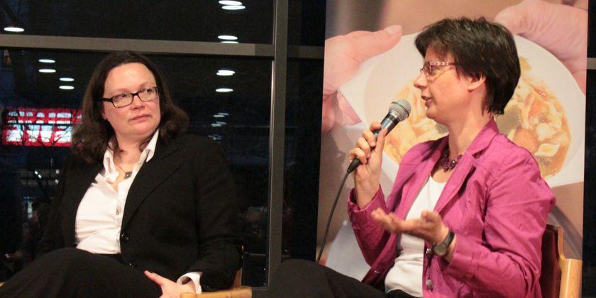 Fürsprecherin für Ausgegrenzte: Frau Dr. Ulrike Kostka im Gespräch mit der Ministerin
