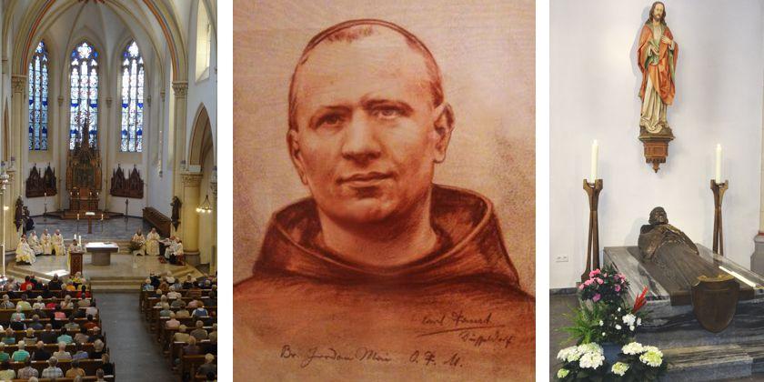 In der St. Franziskus-Kirche in Dortmund, wo Bruder Jordan bis zuletzt gelebt hat, befindet sich auch seine letzte Ruhestätte. In der Seitenkapelle befindet sich sein Grab. Bild von Bruder-Jordan-Werke