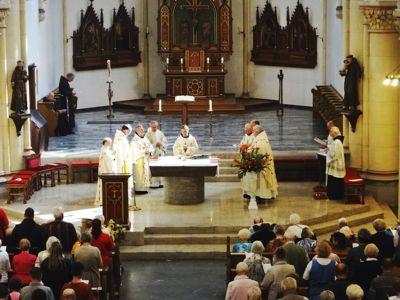 Die Zelebranten beim Festgottesdienst.