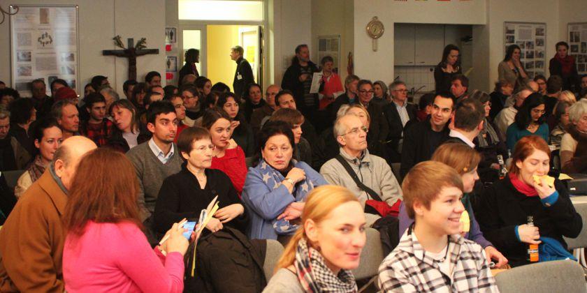 Filmnacht - Eine von vielen Angeboten der Hochschulgemeinde für die Studierenden. Bild von KHG Hamburg