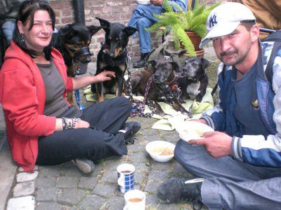 Begegnung mit Obdachlosen. Bild von Bruder Markus Fuhrmann.