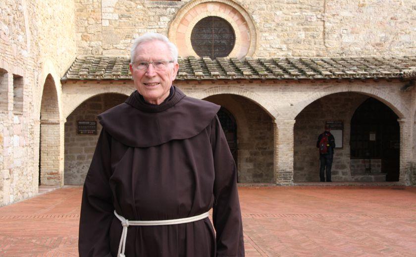 Pater Claus Scheifele ist der Ansprechpartner für die deutschsprachigen Pilger in San Damiano.