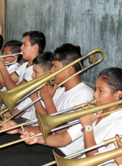 Franziskanische Musikschulen in Bolivien