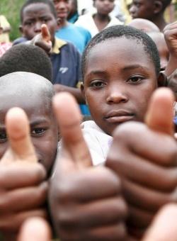 Schulbildung für Aidswaisen in Rushooka / Uganda
